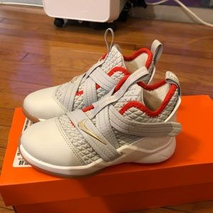 Nike lebron soldier XII shoes toddler boy